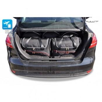 Maßgeschneiderter Kofferbausatz für Ford Focus MK3 limousine (2011-2018)
