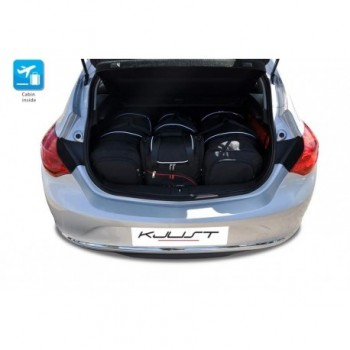 Maßgeschneiderter Kofferbausatz für Opel Astra J 3 oder 5 türen (2009 - 2015)