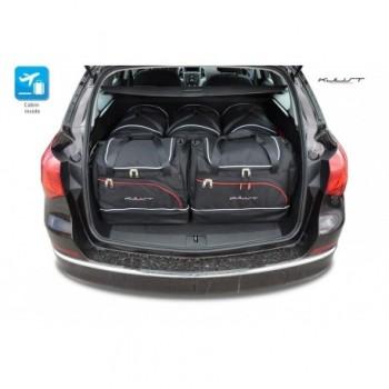 Maßgeschneiderter Kofferbausatz für Opel Astra J Sports Tourer (2010 - 2016)