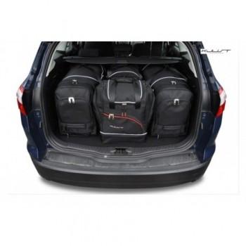 Maßgeschneiderter Kofferbausatz für Ford Focus MK3 touring (2011 - 2018)