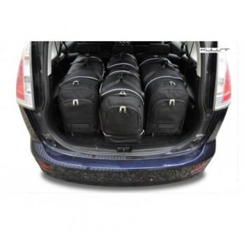 Maßgeschneiderter Kofferbausatz für Mazda 5