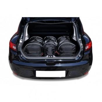 Maßgeschneiderter Kofferbausatz für Renault Clio (2012 - 2016)