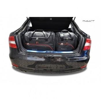 Maßgeschneiderter Kofferbausatz für Skoda Superb limousine (2008 - 2015)