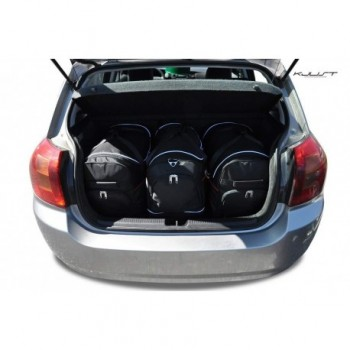 Maßgeschneiderter Kofferbausatz für Toyota Corolla (2002 - 2004)