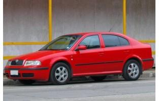 Preiswerte Automatten Skoda Octavia Hatchback (2000 - 2004)