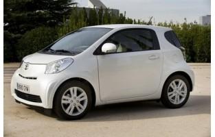 Preiswerte Automatten Toyota IQ